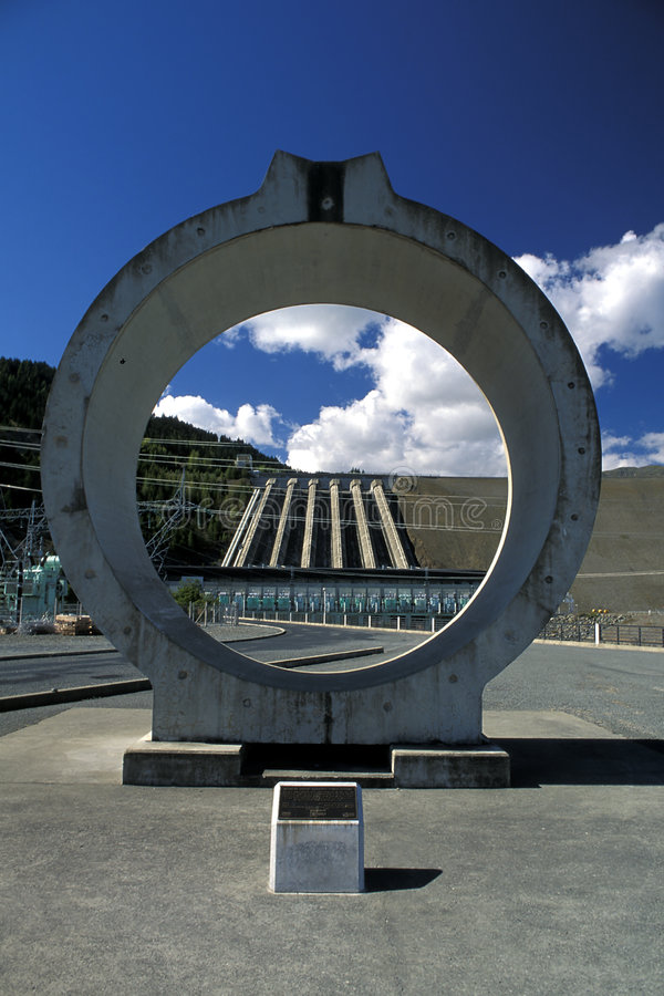 Hydroverdammung, Neuseeland. lizenzfreie stockfotografie