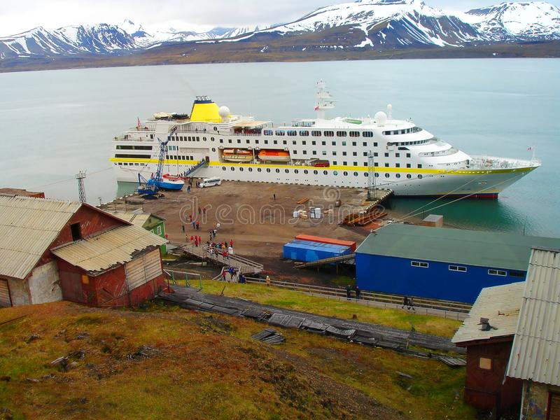 Hytt av staden av Barensburg norway spitsbergen royaltyfria bilder