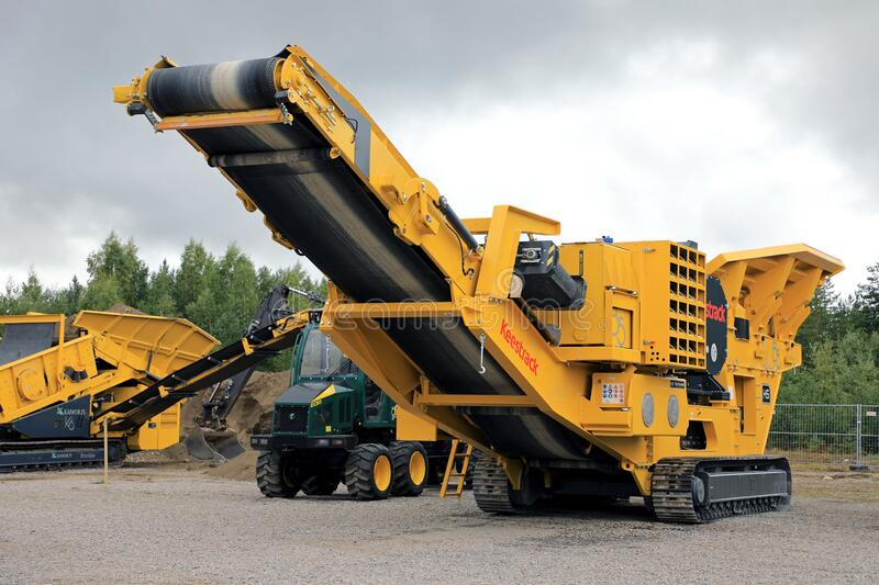 Keestrack B5 Crusher royalty free stock photography