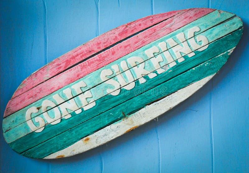 iść szyldowy surfing obraz stock