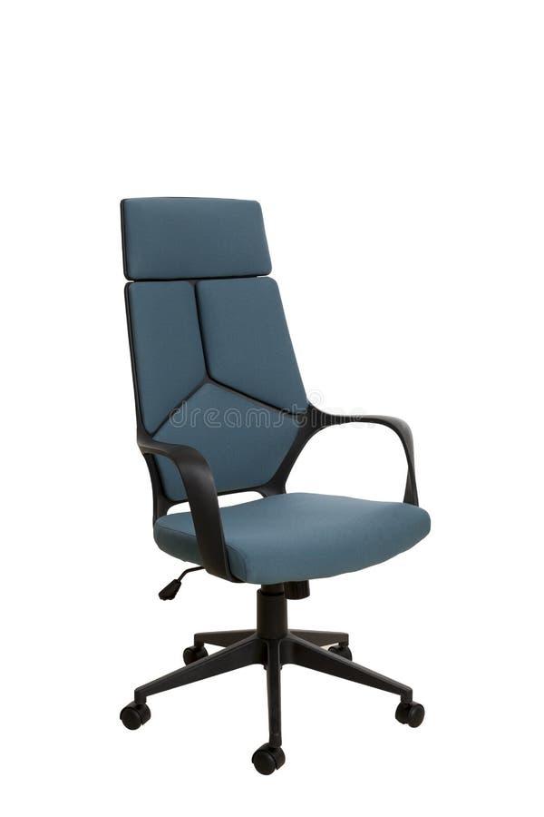 i Тhree-quarti osservano di una sedia moderna dell'ufficio, fatto dei plas neri fotografie stock libere da diritti