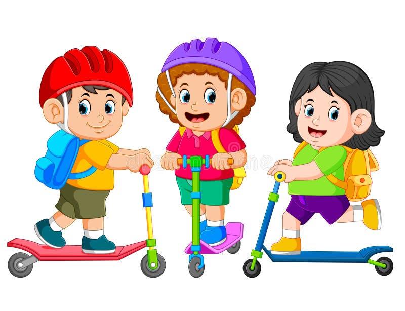 i bambini stanno andando a scuola insieme al motorino di scossa royalty illustrazione gratis
