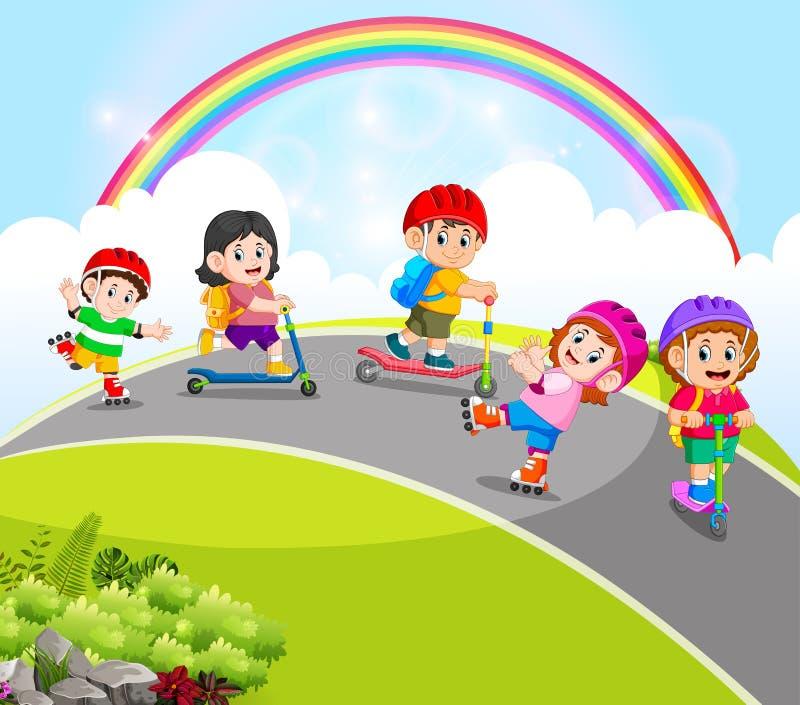 I bambini stanno giocando con i pattini di rullo e del motorino nella strada illustrazione vettoriale
