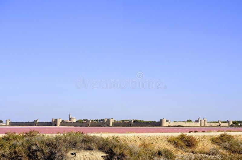 I bastioni della città murata di Aigues-Mortes fotografia stock