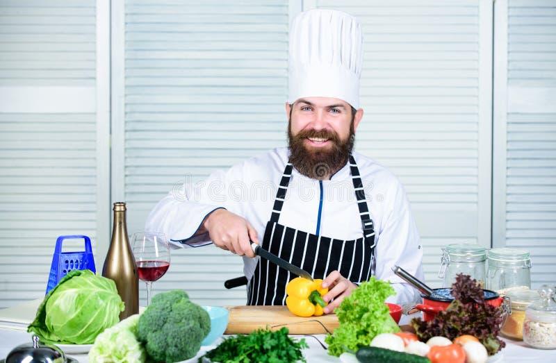 i Bereiten Sie Bestandteile f?r das Kochen vor ( Grundlegendes Kochen stockfotos