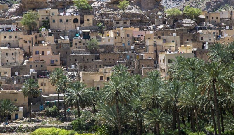 By i bergen av Oman arkivbilder