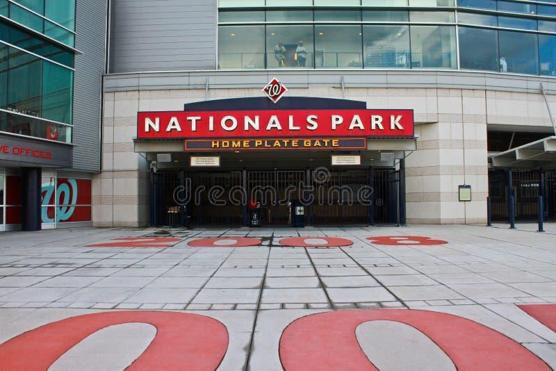 I cittadini del concourse di Homeplate parcheggiano Washington, DC immagini stock libere da diritti