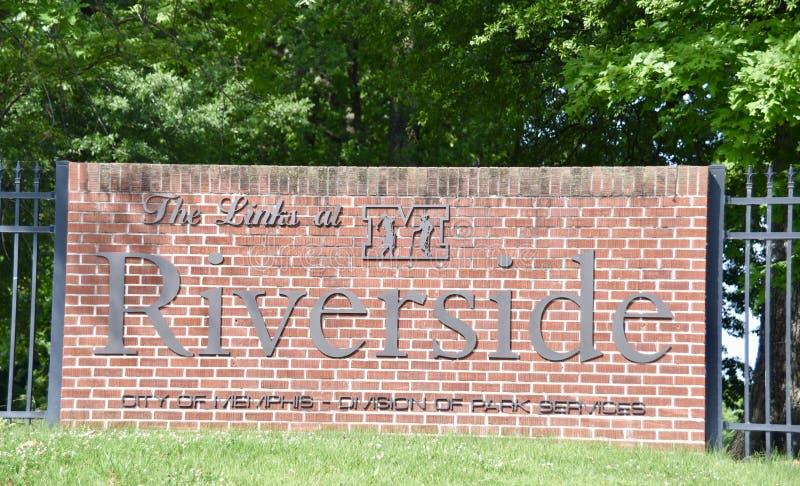 I collegamenti al segno del campo da golf della riva del fiume, Memphis, TN fotografia stock