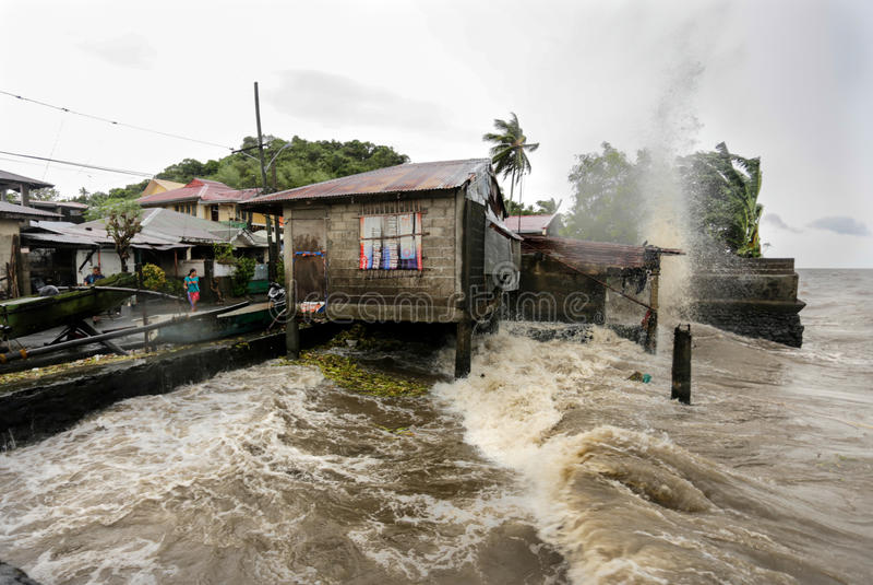 I colpi Filippine di Haiyan di tifone fotografie stock libere da diritti