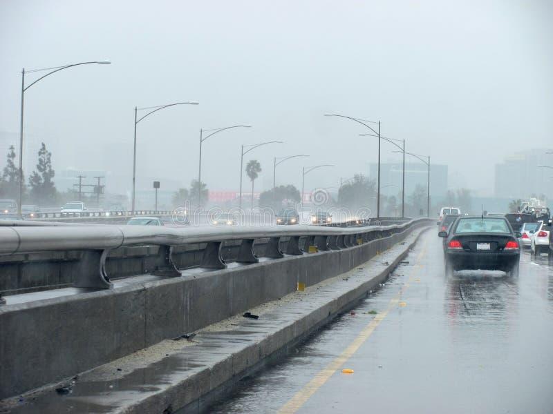 I-10 del este durante el temporal de lluvia imagenes de archivo