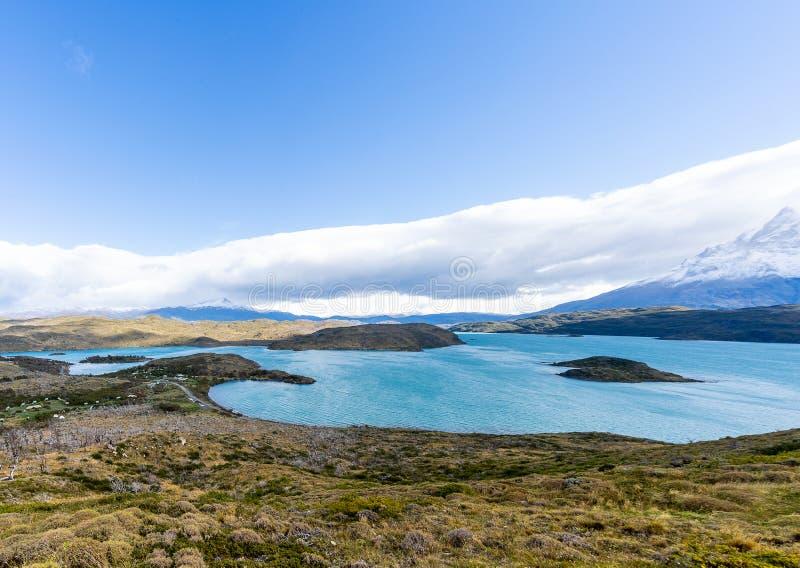 I den Torres del Paine nationalparken Patagonia, Chile, Lago del Pehoe fotografering för bildbyråer
