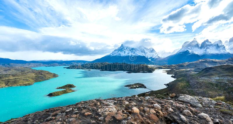 I den Torres del Paine nationalparken Patagonia, Chile, Lago del Pehoe royaltyfri fotografi