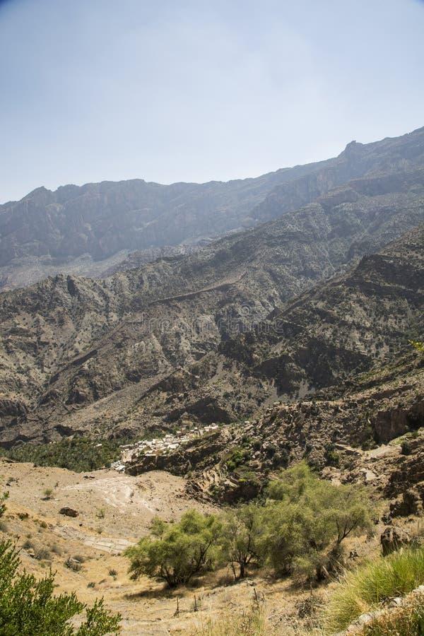By i ett avlägset område av Oman royaltyfria bilder