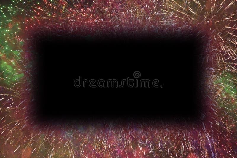 I fuochi d'artificio variopinti con i bordi d'ardore di rettangolo nero copiano lo spazio royalty illustrazione gratis