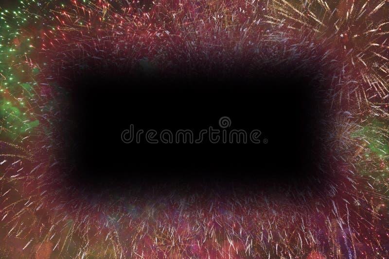 I fuochi d'artificio variopinti con i bordi d'ardore molli di rettangolo nero copiano lo spazio royalty illustrazione gratis