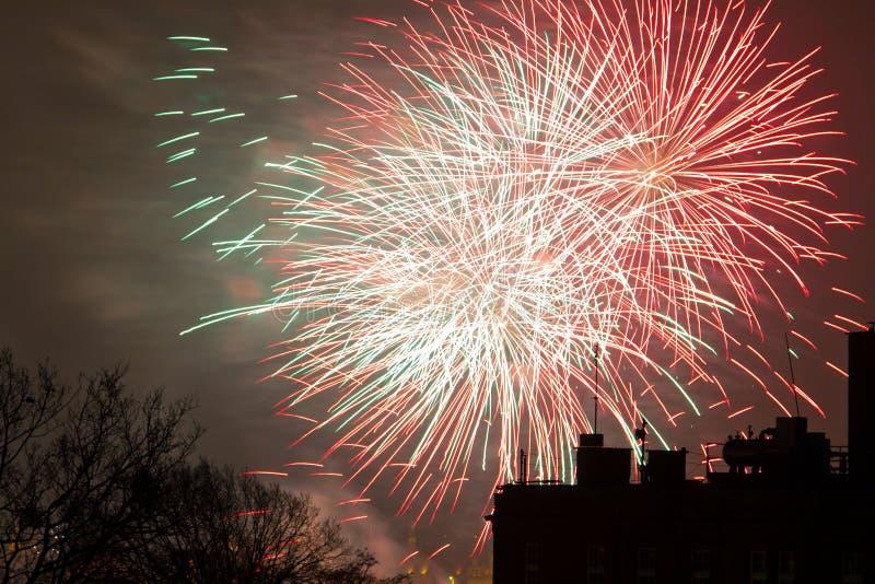 I Fuochi D Artificio Video Sugli Nuovi Anni EVE Immagini Stock Libere da Diritti