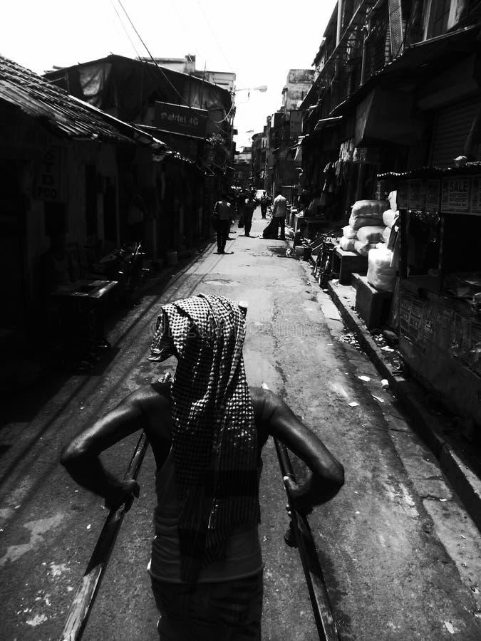 In i gatorna av staden arkivbilder