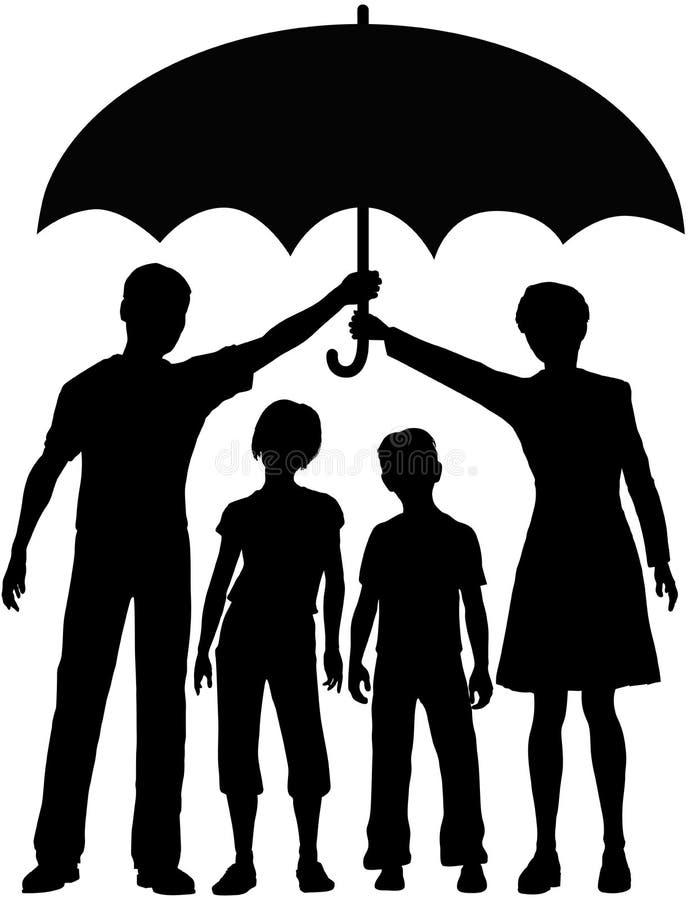 I genitori della famiglia tengono l'ombrello di rischio per la sicurezza illustrazione di stock
