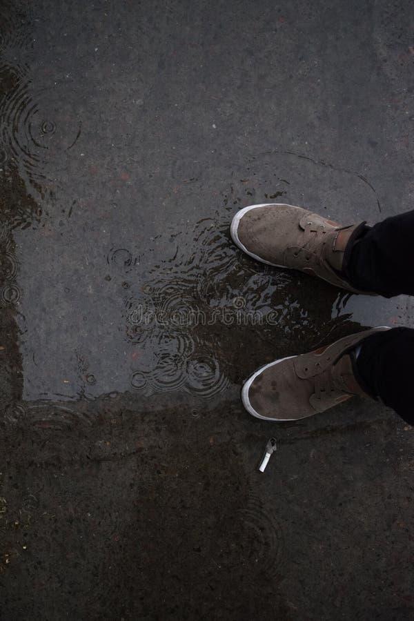I giorni piovosi sono grigi fotografia stock