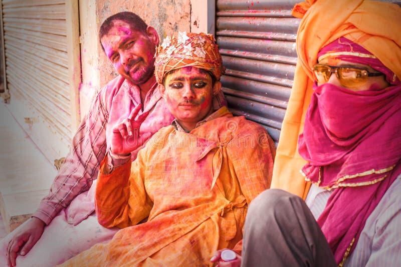 I giovani celebrano il festival di Holi in India fotografie stock