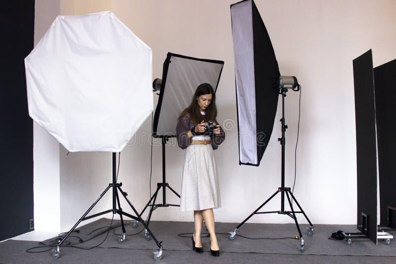 I kulisserna photoshooting i studion fotografering för bildbyråer