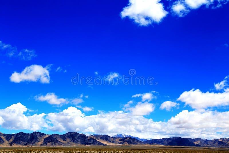 I landforms di Yadan ed il paesaggio del deserto nel plateau tibetano immagine stock libera da diritti
