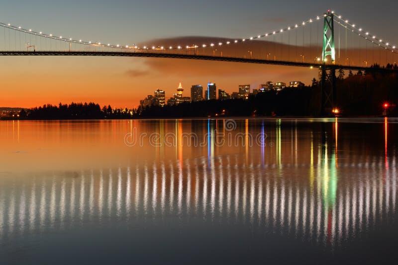 I leoni Gate, Vancouver, l'alba fotografie stock