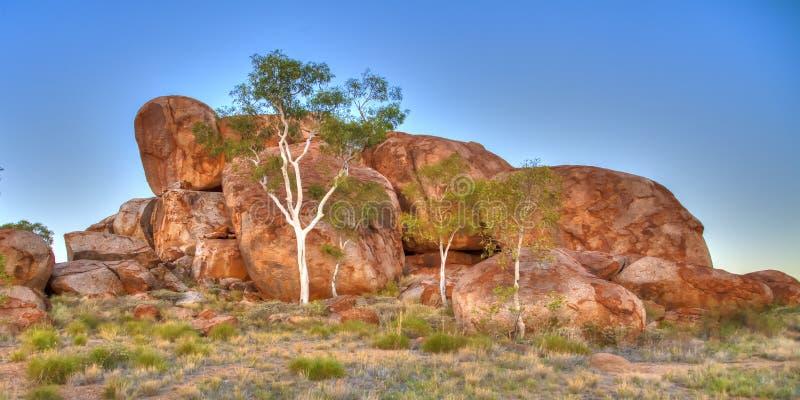 I marmi dei diavoli (Karlu Karlu), Territorio del Nord, Australia fotografia stock