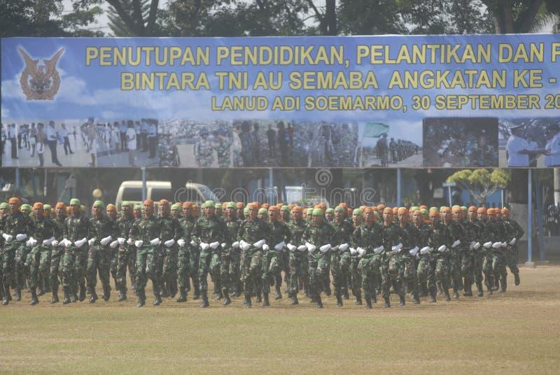I MILITARI INDONESIANI RIFORMANO fotografia stock