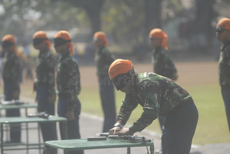 I MILITARI INDONESIANI RIFORMANO immagini stock