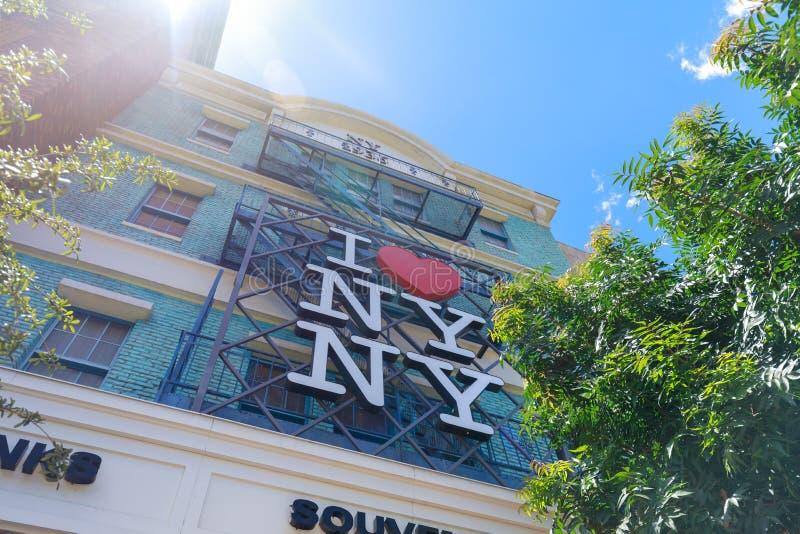 I muestra del corazón NY, nuevo York-nuevo hotel y casino, tira en paraíso, Nevada, Estados Unidos de York de Las Vegas imágenes de archivo libres de regalías