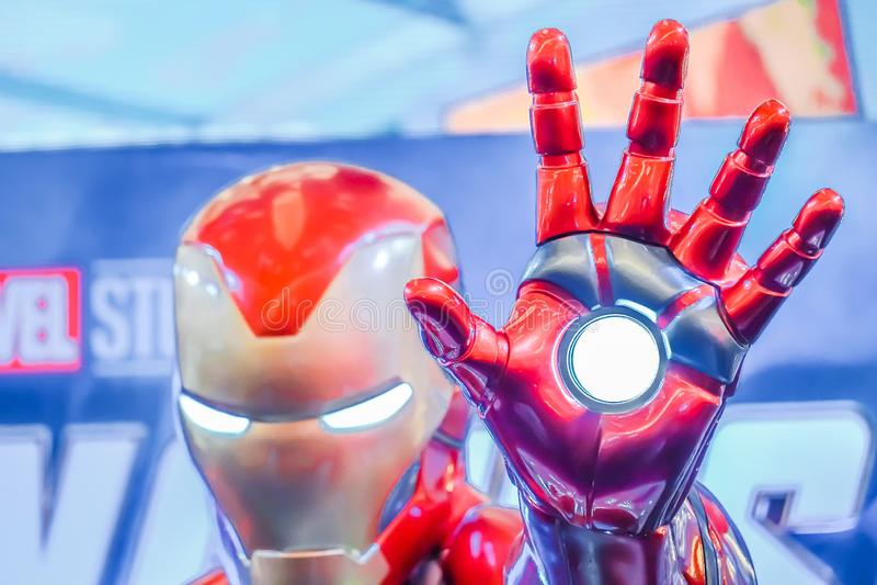 I naturlig storlek för Iron Man för toppen hjälte show modell i bås för hämnareEndgameutställning arkivbild