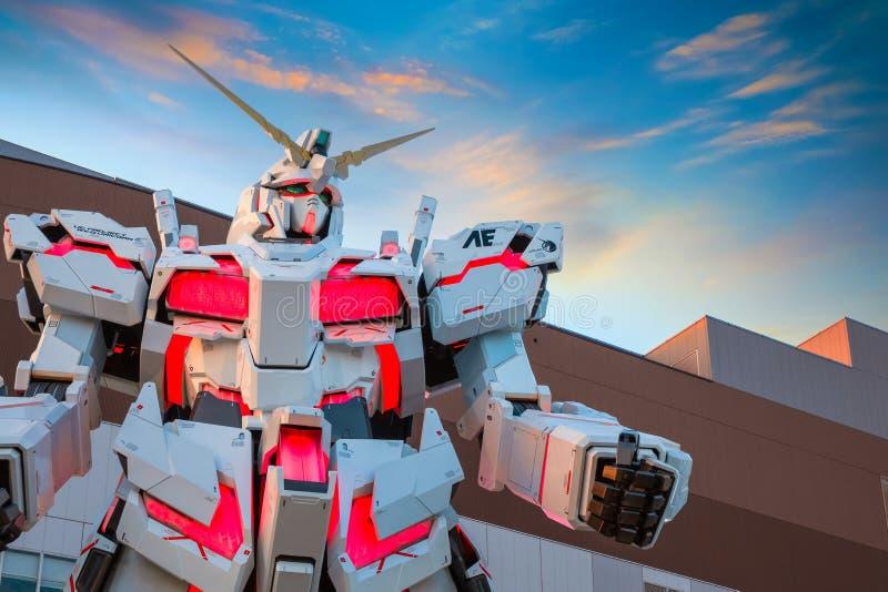 I naturlig storlek mobil dräkt RX-0 Unicorn Gundam på dykaren City Tokyo Plaza i Tokyo, Japan royaltyfria bilder