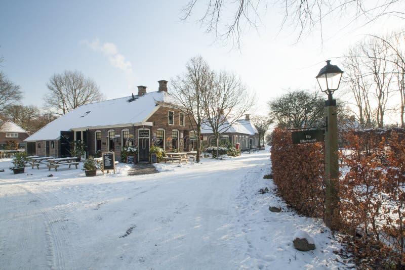 I Paesi Bassi, paesaggi e mulini nell'orario invernale fotografie stock