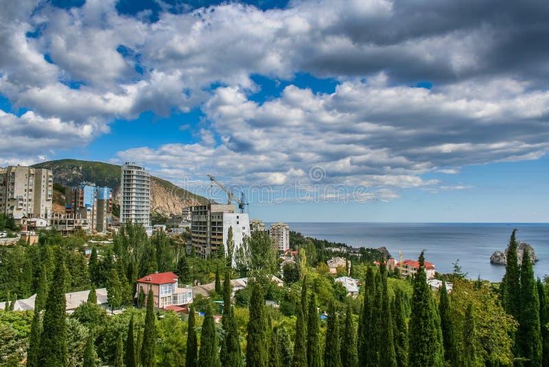 I pendii delle montagne della Crimea immagine stock libera da diritti
