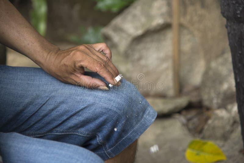 I pericoli della morte del fumo anche immagini stock libere da diritti
