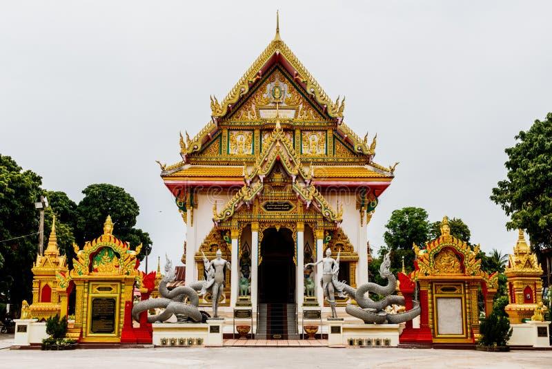 I plangtempel i nakhonphanomlandskapet Thailand royaltyfri bild