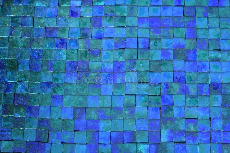 ` I precedenti delle mattonelle del vetro macchiato dell'estratto del ` dei blu fotografia stock