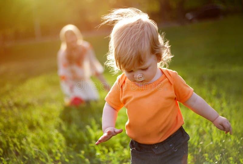 I primi punti del bambino. immagine stock
