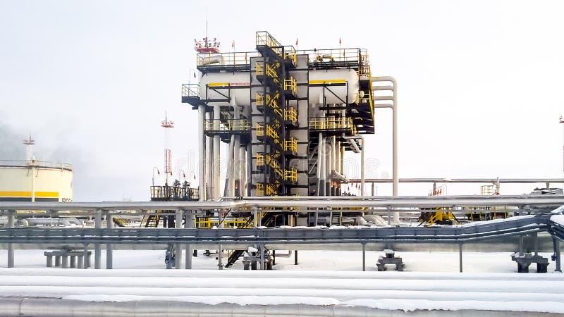 I separatori sono estremità Attrezzatura per la separazione dell'olio Unità modulare di trattamento dell'olio Bulite per la separ fotografia stock libera da diritti