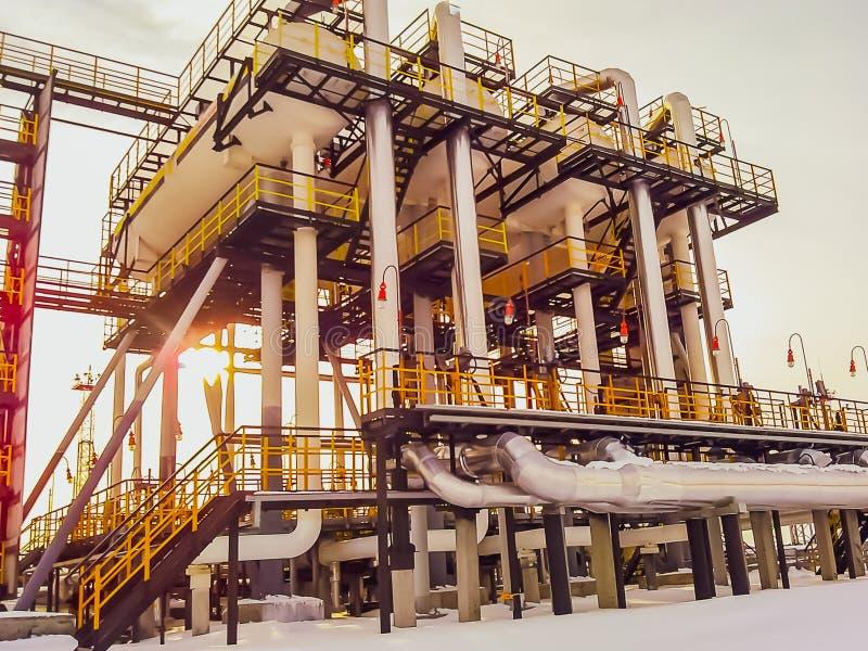 I separatori sono finiti Attrezzature per l'olio Unità di trattamento modulare dell'olio Bulite per separazione Separatori a bass immagine stock