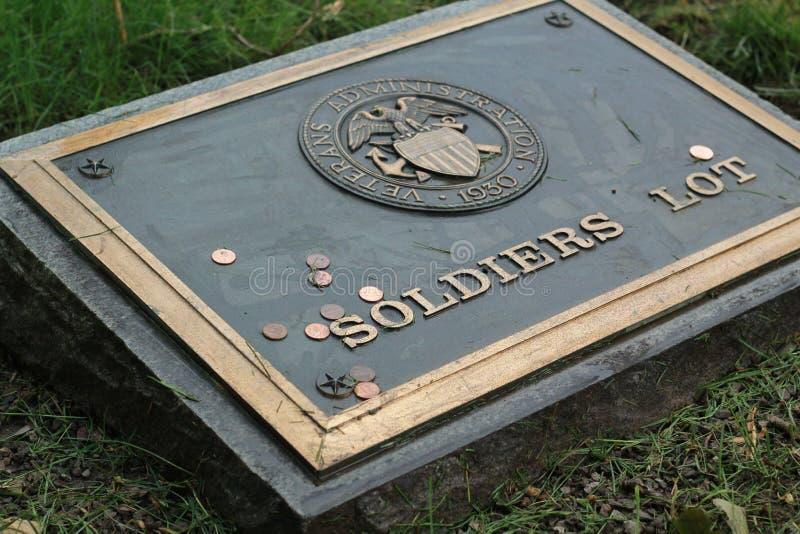 I soldati dividono, amministrazione di veterani fotografia stock libera da diritti