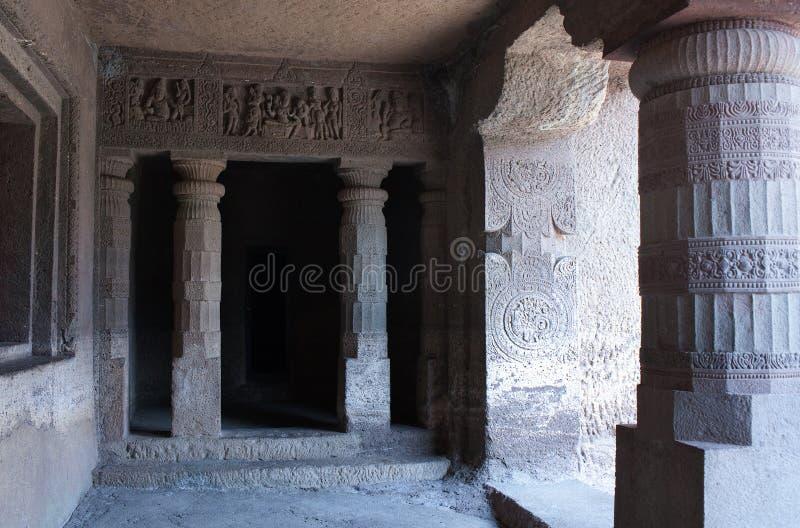 I sollievi di pietra antichi in Ajanta scava, l'India immagini stock libere da diritti