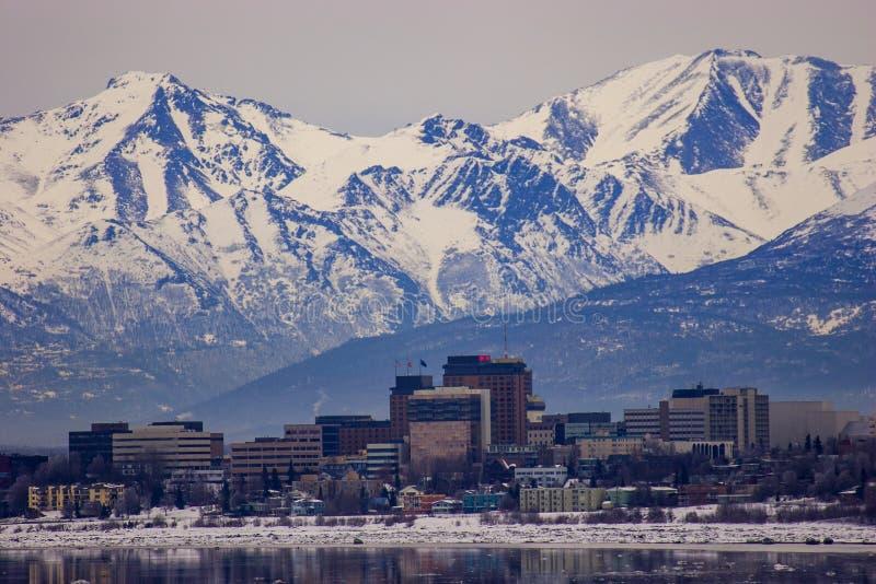 Download I Stadens Centrum Ankring, Alaska I Mitt Av Vintern Arkivfoto - Bild av medel, stads: 106827546
