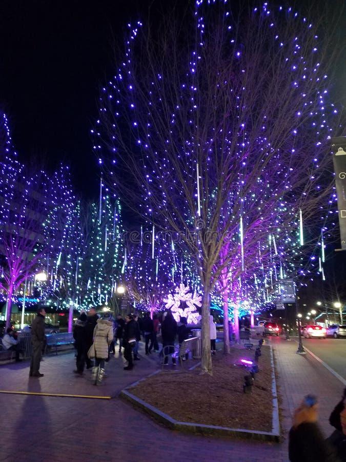 Download I Stadens Centrum Asheville Packefyrkant Redaktionell Bild - Bild av natt, fyrkant: 106830546