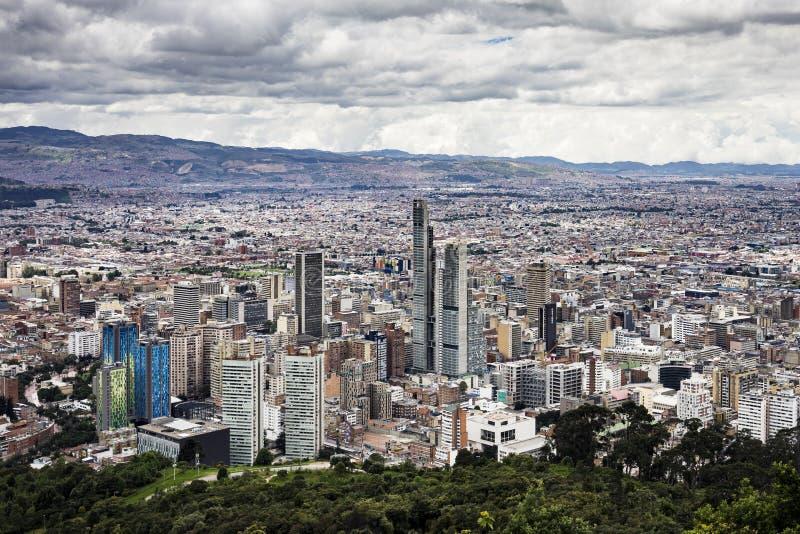 I stadens centrum Bogotà ¡ som ses från den Monserrate slingan royaltyfria bilder