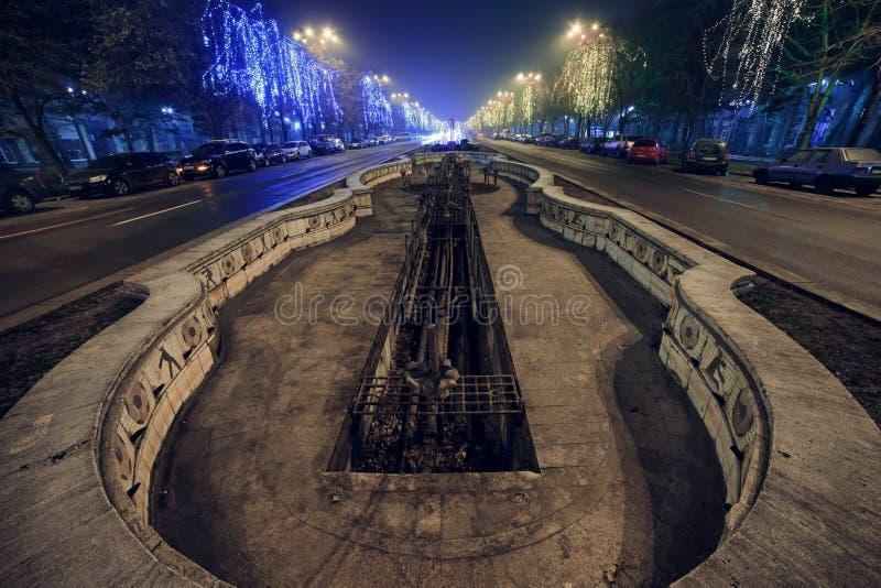 I stadens centrum Bucharest - springbrunnar arkivfoto