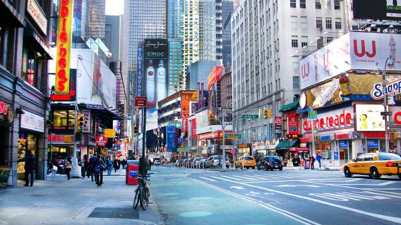 I stadens centrum gata i New York royaltyfria bilder