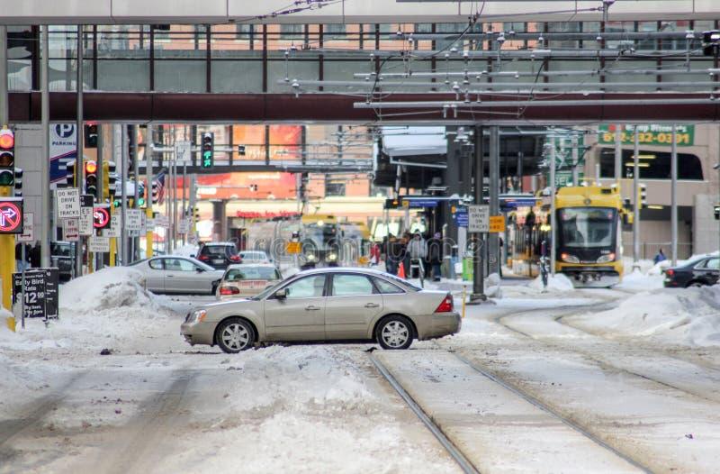 I stadens centrum genomskärning i vinter arkivbilder