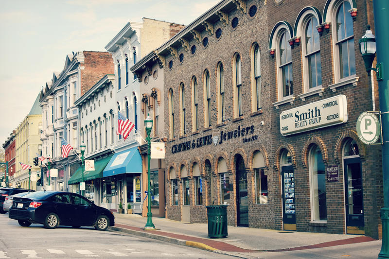 I stadens centrum Georgetown, Kentucky arkivfoto